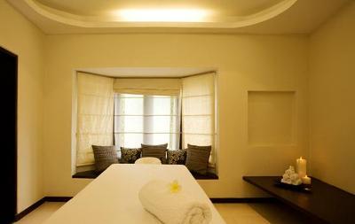 Beauty-Parlour-Bangalore-White-Mantra-Spa-Salon-1289899874744_regular